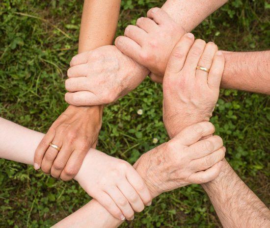 mains esprit d'équipe
